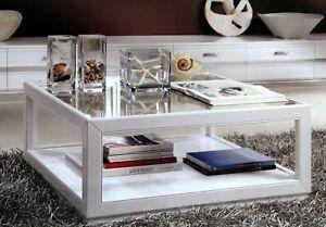 Tavolino quadrato massello laccato c vetro xsoggiorno for Divano quadrato