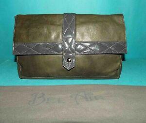 sac pochette BEL AIR modèle harpo en cuir kaki et gris avec dustbag format A4