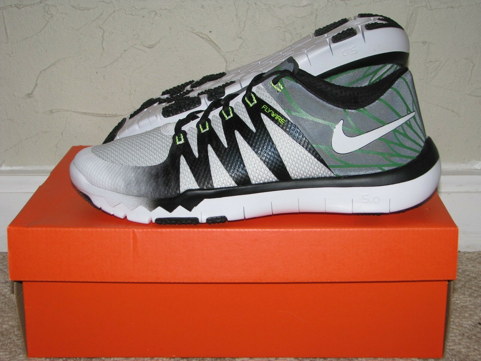 Nike libera trainer 5,0 v6 new!723939-100 amp oregon ducks white Uomo taglia 10 s new!723939-100 v6 b0687e