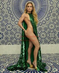 24 inch by 36 inch JENNIFER LOPEZ Poster Hollywood Art Photo Poster 8A