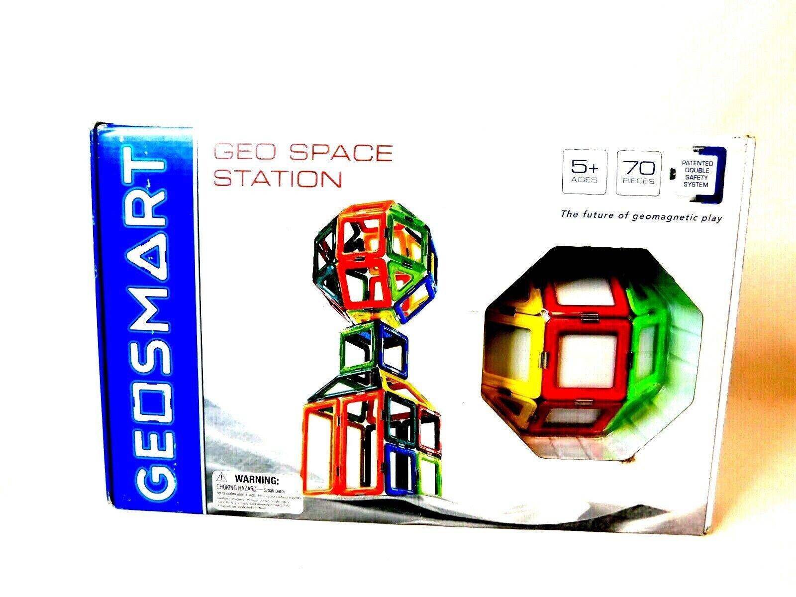 Geosmart Geo Space Station 70 piece Geometric Shape Building Set New
