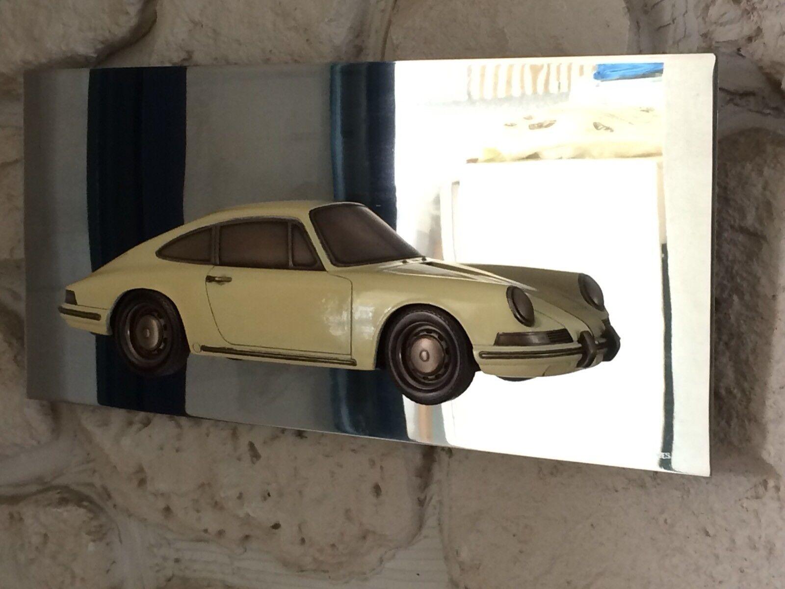 Reproduction en bronze Porsche 911 1 2 coque échelle 1 12 sur socle en inox poli