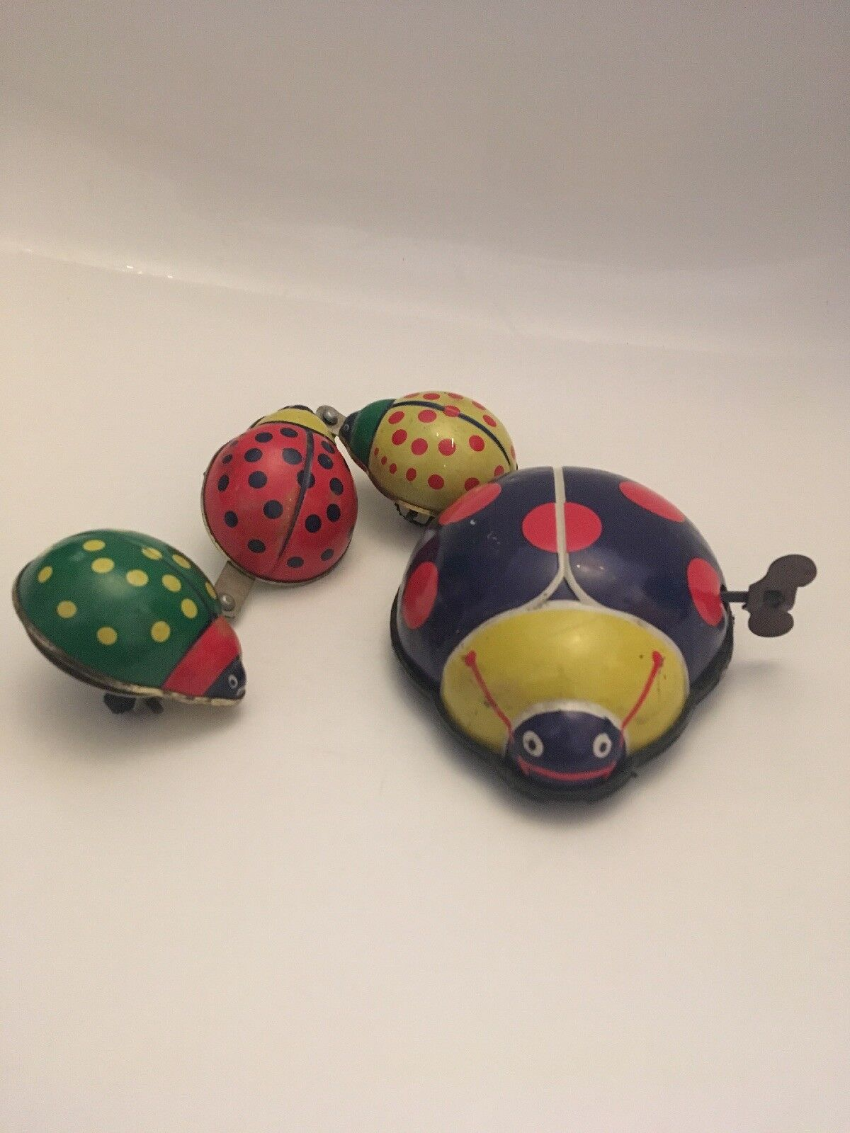 Authentic Vintage Wind Up Tin Family Of Ladtbirds