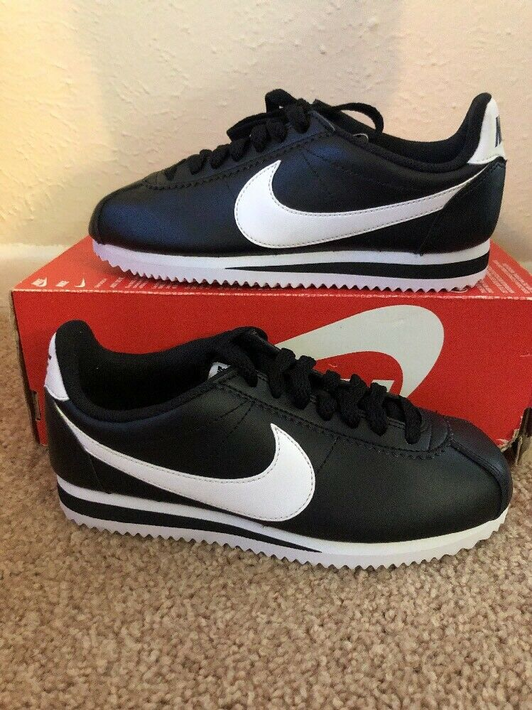 48d09be97318 NIKE WOMEN S CLASSIC CORTEZ LEATHER LEATHER LEATHER SHOES SIZE 5 black  white 807471 010 2ee79a