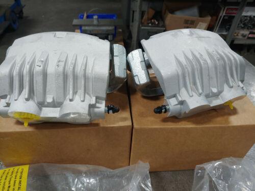 """2 Ford Mustang SVT Cobra Bullitt Front Calipers 13/"""" Disc Brakes W Brackets NEW"""