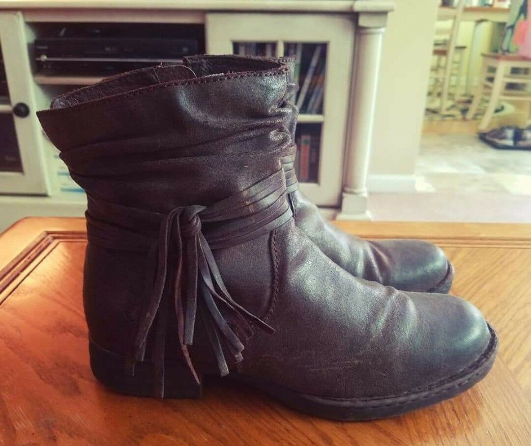 Womens Shoes Boots Brown Leather Born Size 9.5