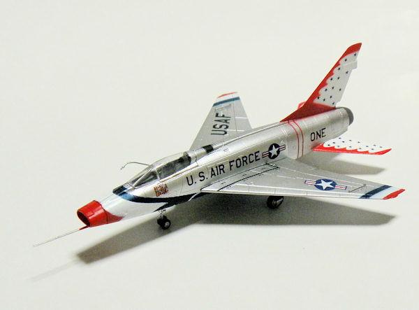 F-TOYS CENTURY 1:144 Fighter Plane Model F-100D SUPER SABRE USAF PLANE FT_100_2C