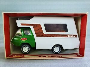 Vintage-Tonka-Mini-Camper-Truck-Pressed-Steel-Toy-1261-Green-Model-Boxed-1970-039-s