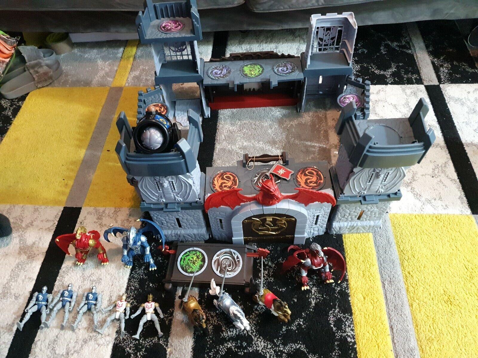 Rare  True Legends Dragon Castle Toys R Us + Figures
