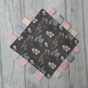 Navy floral taggy blanket