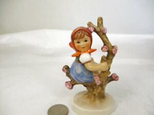 Vintage Goebel Hummel Figurine Apple Tree Girl 141 3/0 Porcelain TMK-5 W Germany