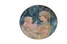 EDNA HIBEL 1975 KRISTINA & CHILD PLATE by ROYAL DOULTON Limited Edition