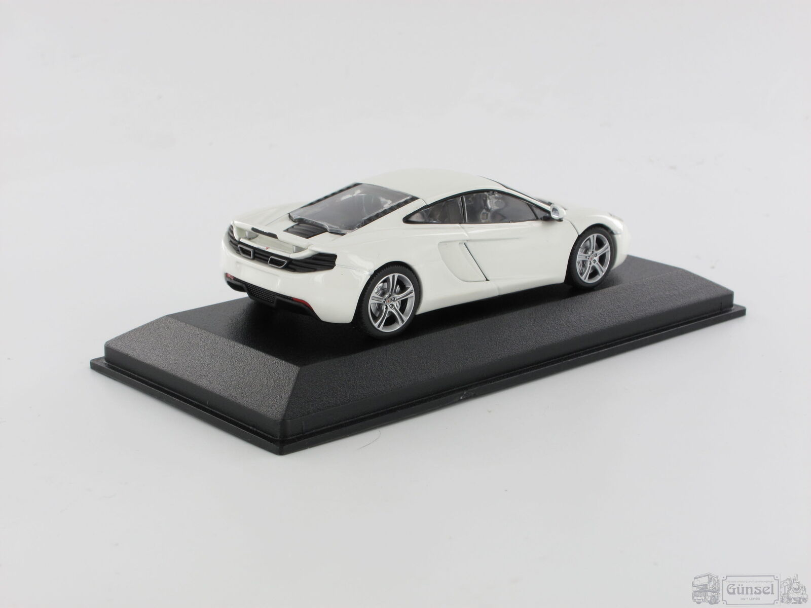 Minichamps 530133021 McLaren mp4-12c 1 - 2011-Scala  1 mp4-12c 43 71a46d