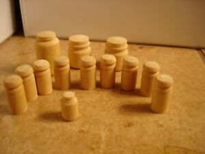 Lionel-lot-of-13-wood-milk-cans
