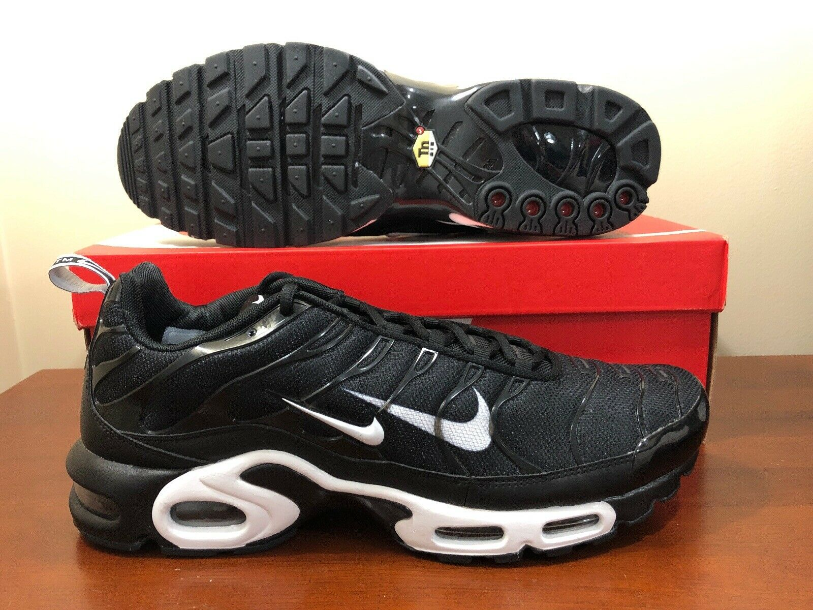 Nike Air Max Plus PRM TN Size 14 Black White Running shoes 815994 004 New