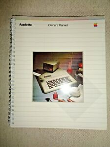 Vintage-Apple-IIe-Owner-039-s-Manual-Computer-System-Handbook-Disk-Memory-Processor