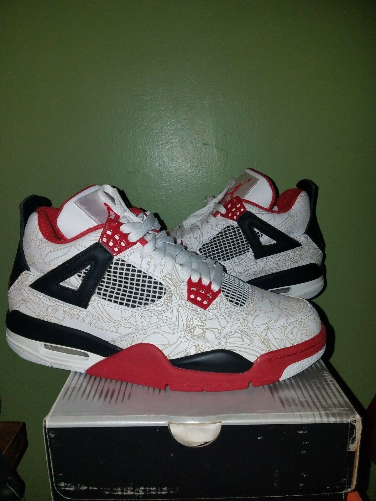 Air Jordan 4 Retro  ( Laser ) size 7 men preowned