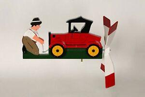 Cranking-Old-Antique-Car-Wooden-Whirligig-29
