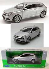 modello di auto 1:18//Welly OPEL ASTRA GTC 2005 argento