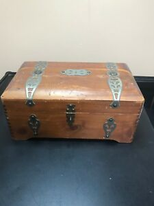 Details about Vintage Jewelry Box McGraw Box Company NY  Rounded Treasure  Chest Top  Red Cedar