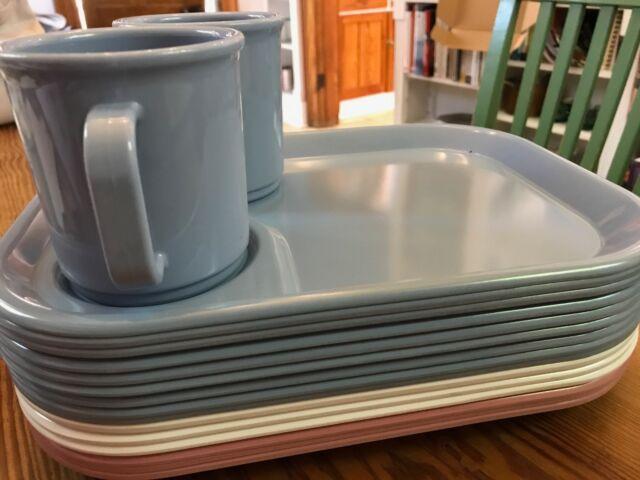 17 PCS VTG Rubbermaid Melmac Melamine Snack Dishes Trays Cups - EC!