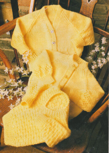 Baby Crew /& V Neck Cardigans /& V Neck Sweater ~  DK Knitting Pattern