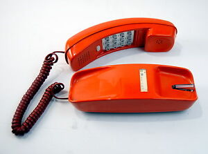 Western Electric Trimline Touch Tone Phone Rust CS223A