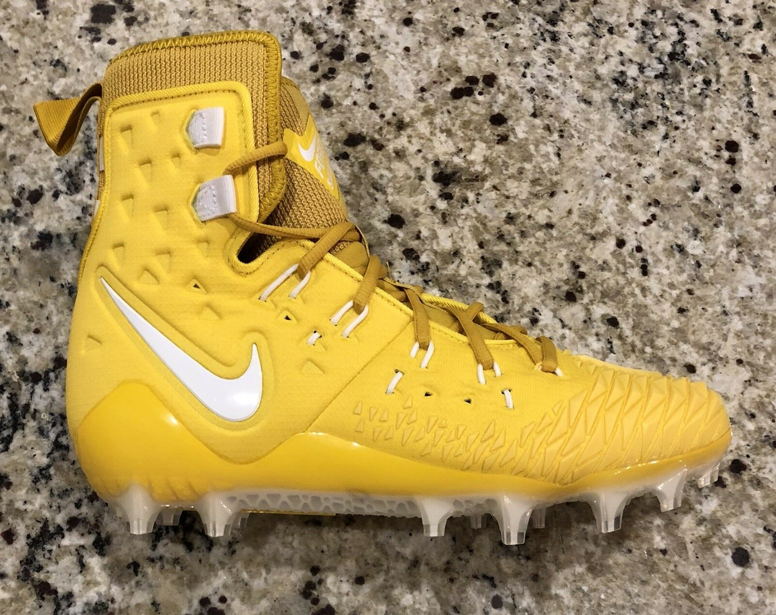 546ad53d0764d NEW MEN S NIKE ZOOM FORCE SAVAGE ELITE Football Cleats Size 10.5 TD ...