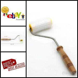 Beekeeper Wooden Handle Plastic Uncapping Needle Roller Honey Harvesting Tools
