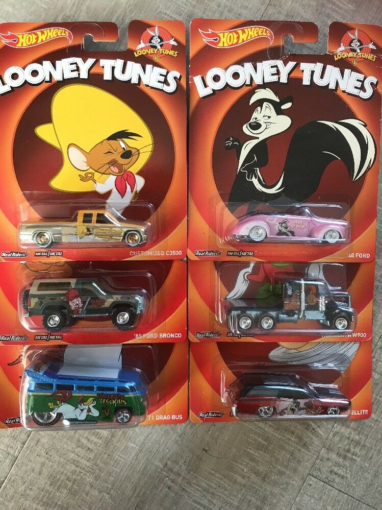 HOT WHEELS 2014 LOONEY TUNES POP CULTURE SET OF 6 REAL RIDERS brand new