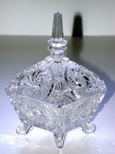 Stunning-Cut-Glass-Star-Wreath-Pattern-Covered-Four-Footed-Pedestal-Bowl