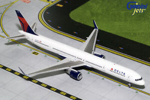 GEMINI-JETS-DELTA-AIR-LINES-BOEING-B757-300-W-1-200-DIECAST-G2DAL712-IN-STOCK