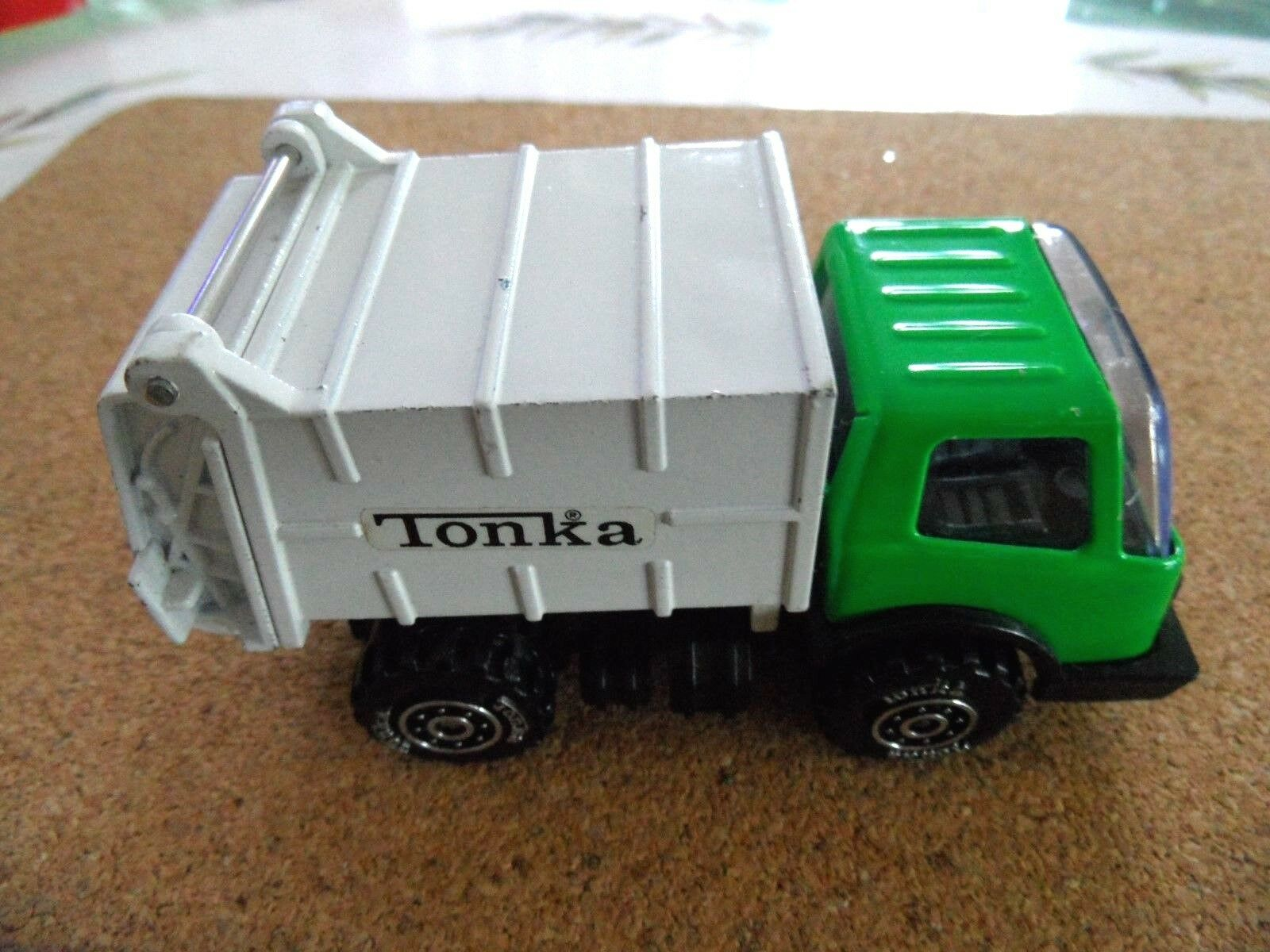 Vintage Tonka refuse garbage dust cart  10cms long  NEAR MINT CONDITION -NO BOX