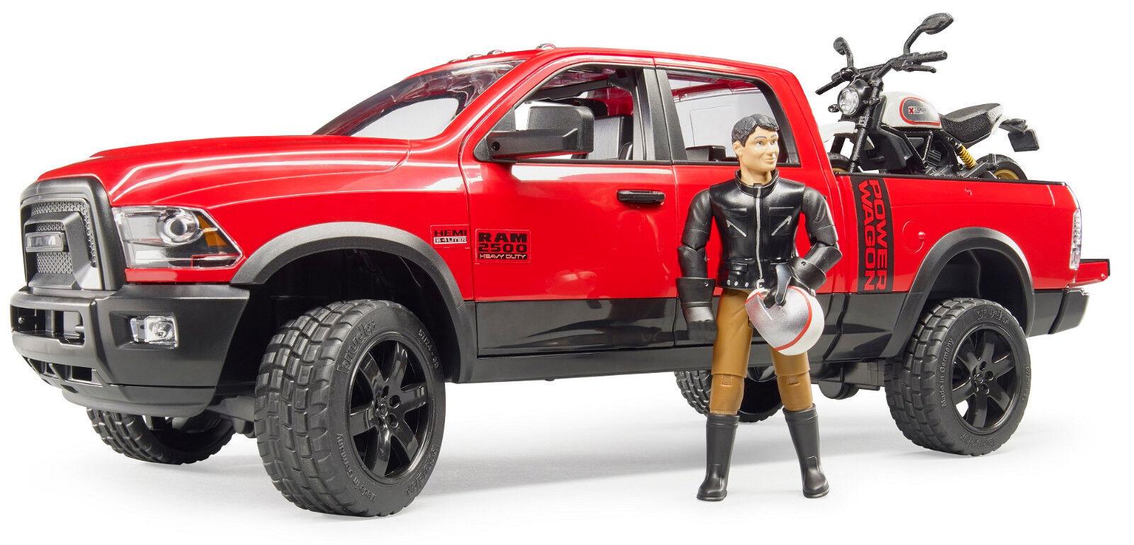 Bruder Toys Ram 2500 Power Wagon avec SCRAMBLER DUCATI Desert SLED & Driver 02502