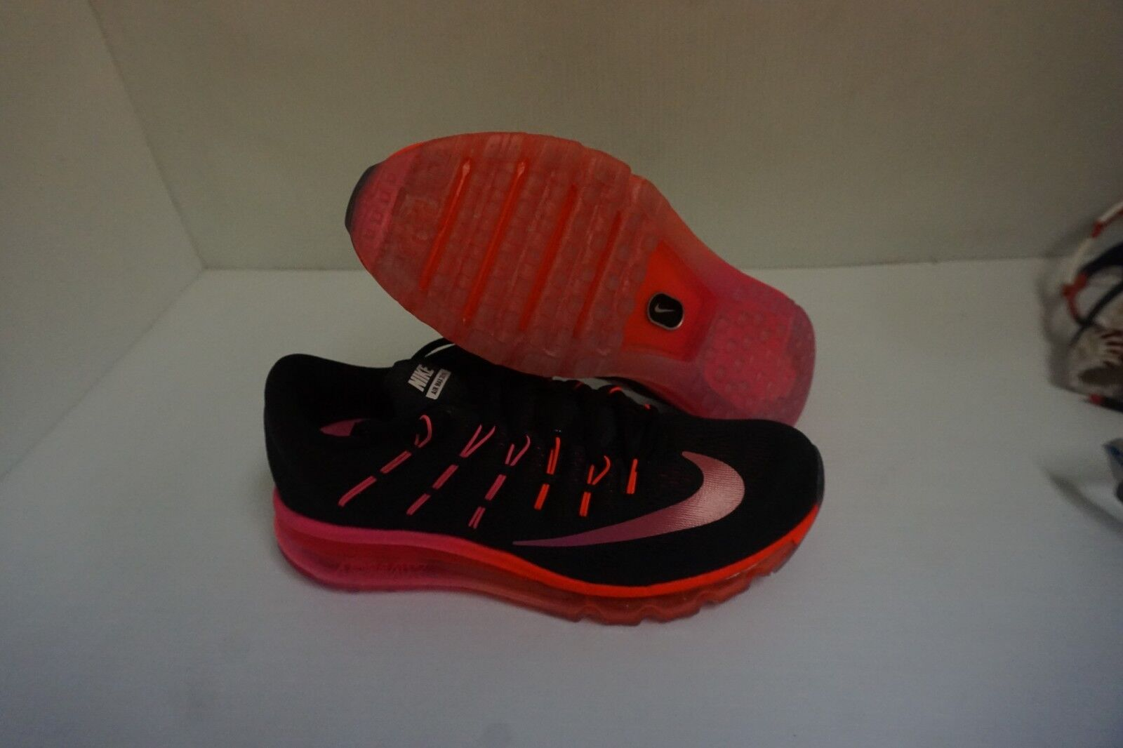 Womens nike air max 2016 running shoes black red bright size 6 us
