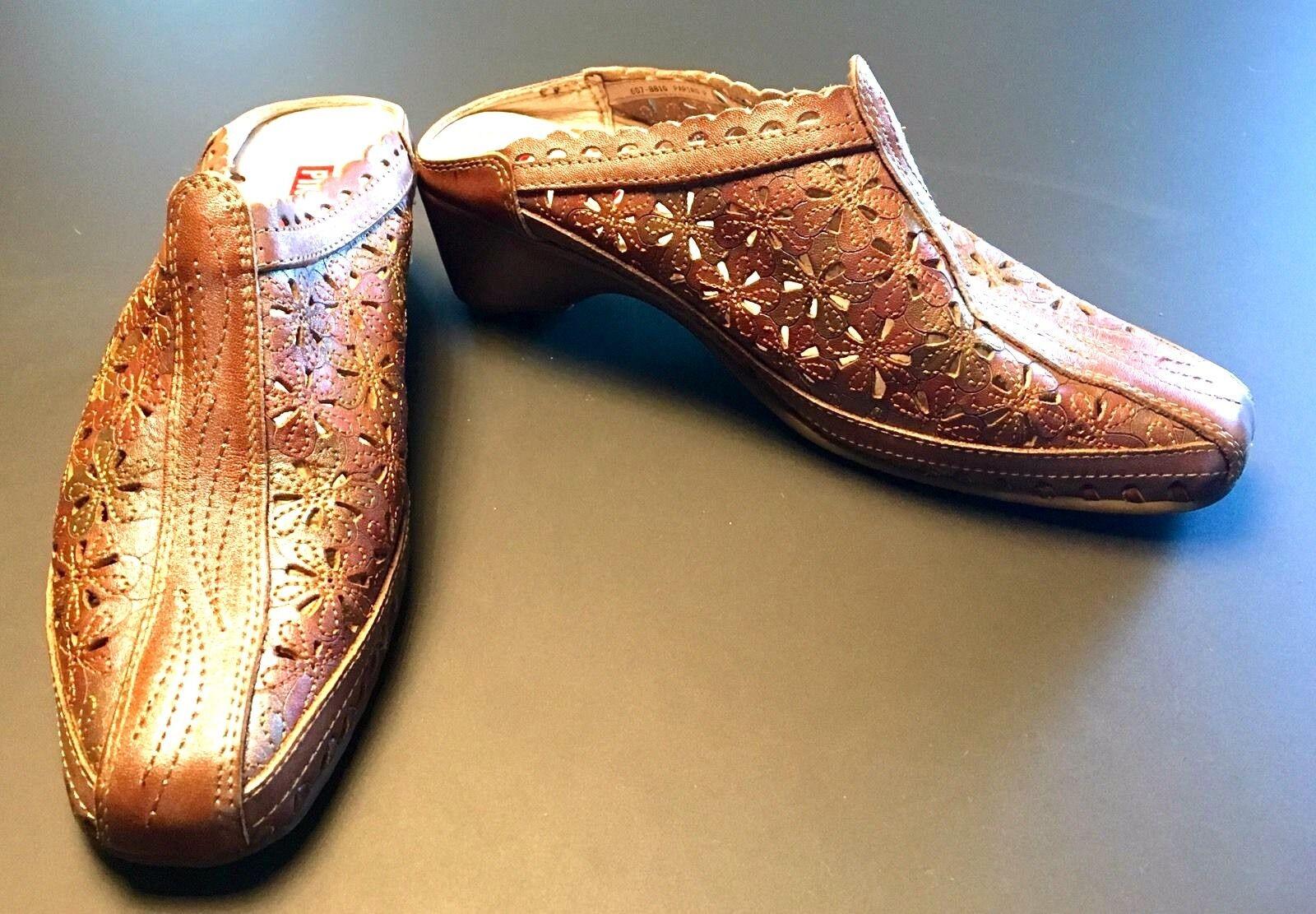 Pikolinos Papiro braun Iridescent Leather Perforated Floral Heels Mules Größe 35