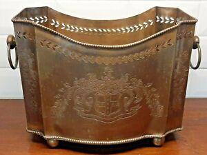 Vintage-Brass-Jardiniere-Footed-Planter-Etched-Crest-Centerpiece-w-Handles