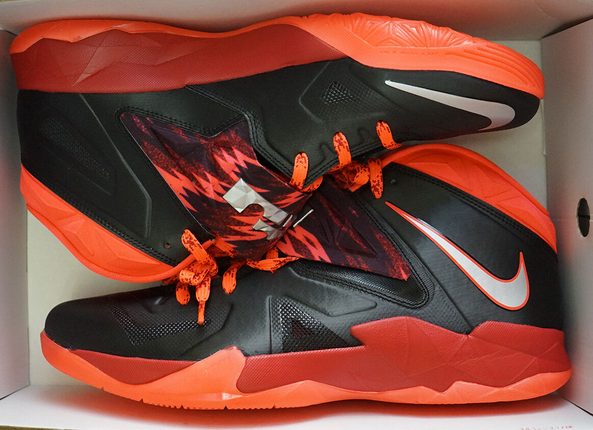 Nike Zoom Basketball Soldier Vii Pp Para Hombre Basketball Zoom Nuevo (609679 005) c38a80