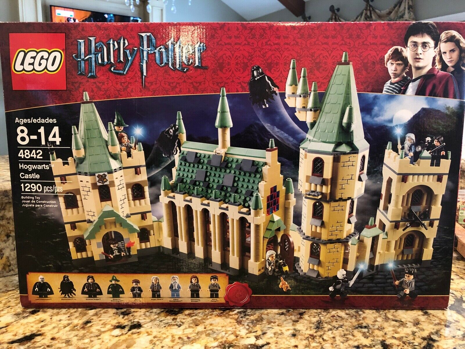 LEGO 4842 HOGWARTS CASTLE BRAND NEW-ALL BAGS ARE FACTORY SEALED, BOX OPENED