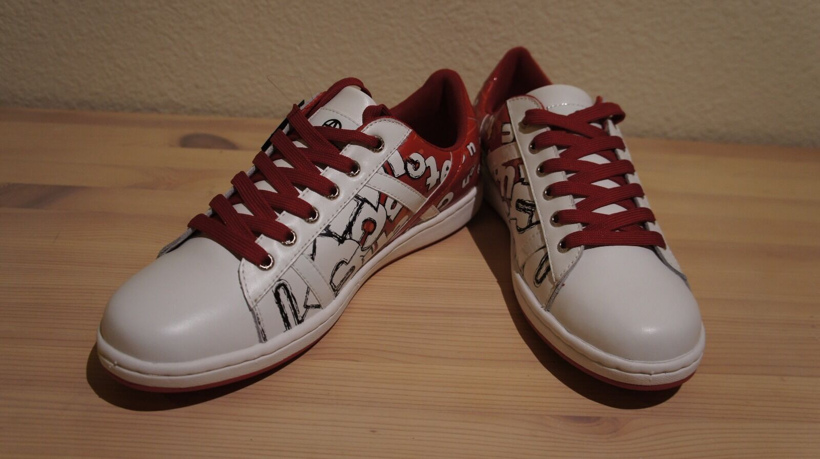 Acupuncture London shoes White&Red 'Letters'