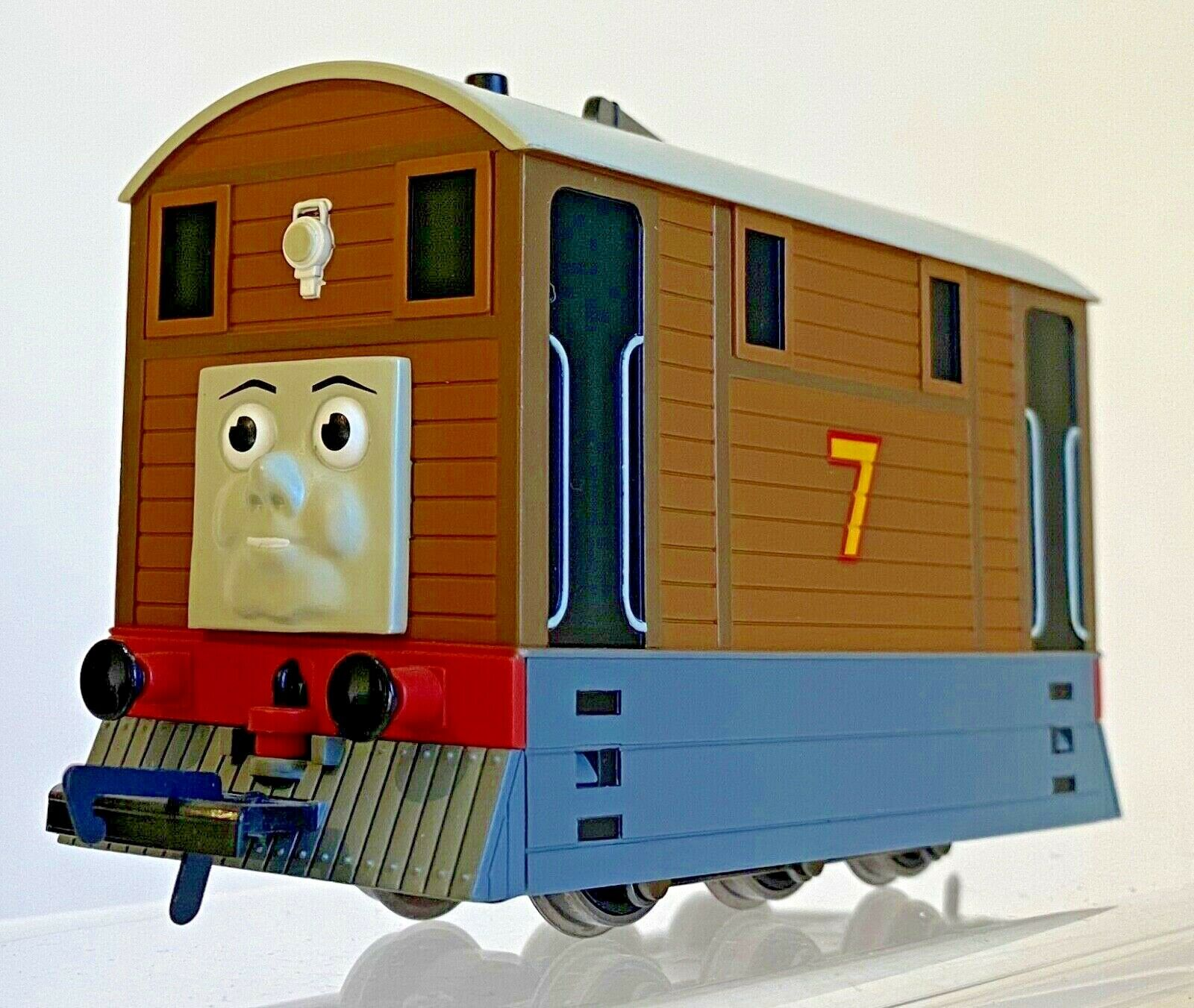 HORNBY 00 GAUGE - R9046 - THOMAS & FRIENDS - 'TOBY THE TRAM' - NEW BOXED
