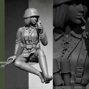 1-16-Resin-Figure-Model-kit-Female-Tanker-Crew-Soldier-Smoking-Unpainte-2019