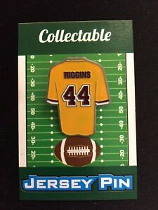 new product e75b7 c7e09 Details about Washington Redskins John Riggins jersey lapel pin-Classic  throwback Collectable