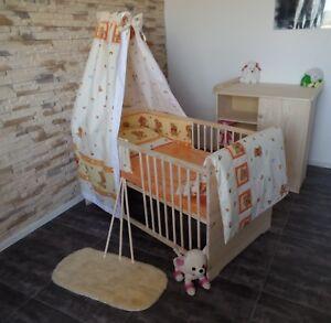 Babyzimmer komplett Set Gitterbett Babybett Wickelkommode 5 Farben MASSIV Gravur