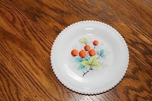 Westmoreland-Beaded-Edge-Fruit-Bread-and-Butter-Plate-STRAWBERRY-6-1-4-034