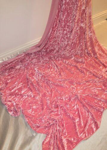 "1 Mètres Rose Glace Crushed Velvet tissu .58 /""Large-garnitures robe Coussins etc"