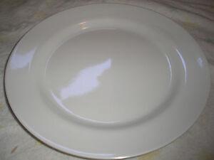BULK LOT : 48 x LARGE 25cm ROUND MELAMINE DINNER PLATES : WHITE ...