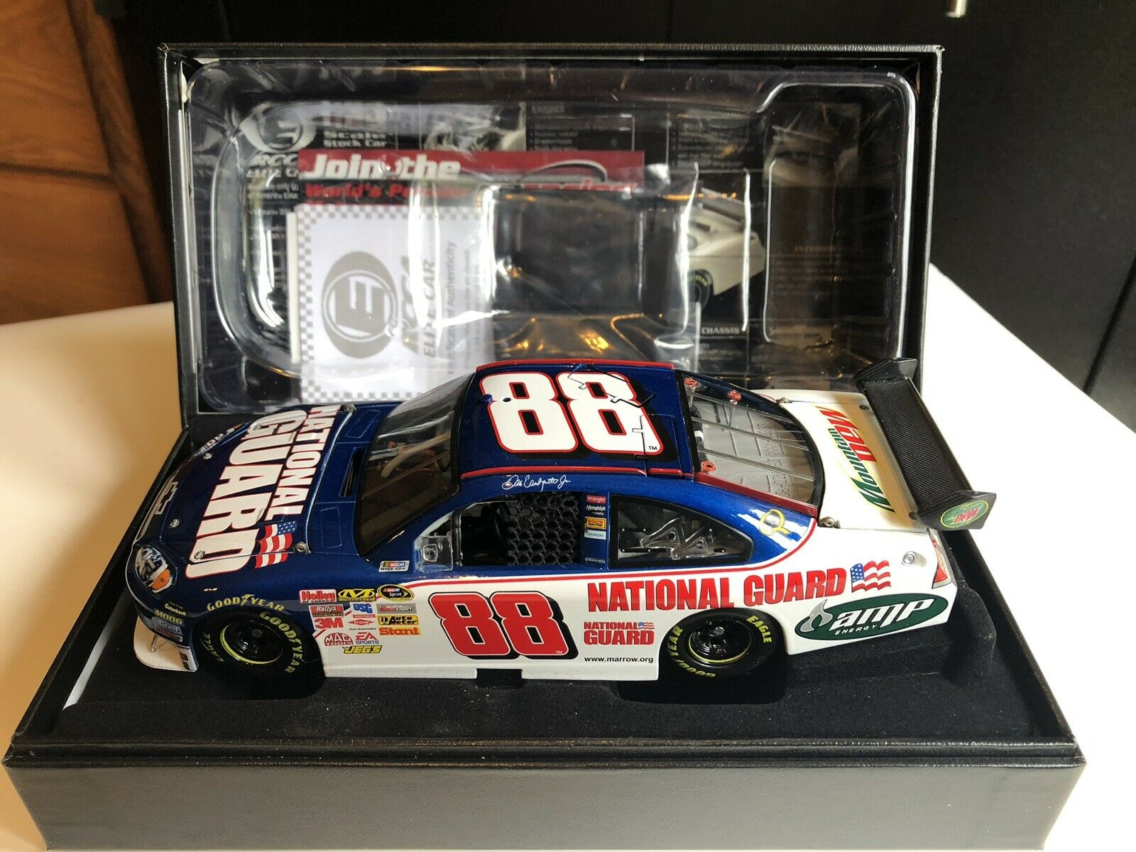Racing Collectables Club of America Elite NASCAR  88 Dale Earnhardt Jr 2008 Impala SS-Garde nationale  387