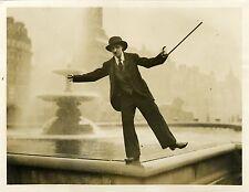 """Little Eve FULTON imitant Charlie CHAPLIN"" Photo originale KEYSTONE VIEW 1931"