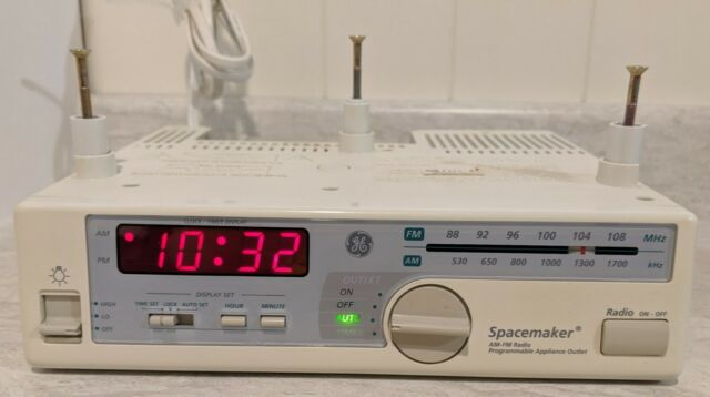 Ge Spacemaker 7 4232b Clock Am Fm Radio Counter Light Appliance